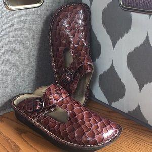 ALEGRIA PG Lite 38 Clogs Brown Purple Croc Leather